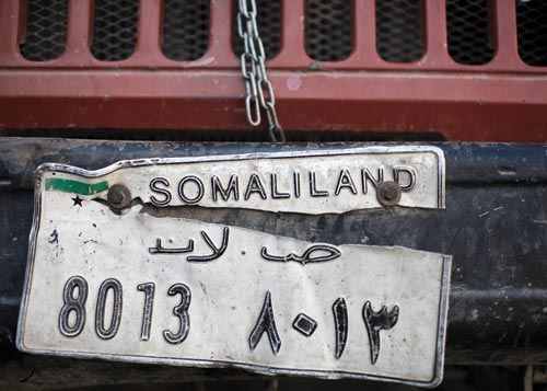 The license plate on a car proclaims it to be registered in Somaliland.