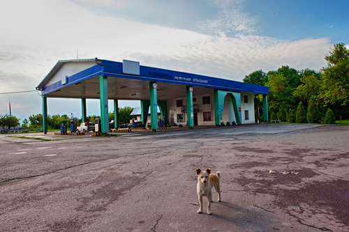 The gas station in Zalishchyky where the Ukraine's state security service apprehended a regional legislator attempting to sell a container of plutonium-239.