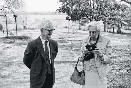 Cleanth Brooks and Eudora Welty, Rose Hill, MS, 1985. (William Ferris)
