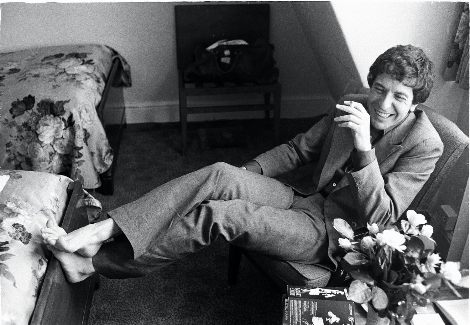 Leonard Cohen, London, June 1974. (Michael Putland/Getty Images)