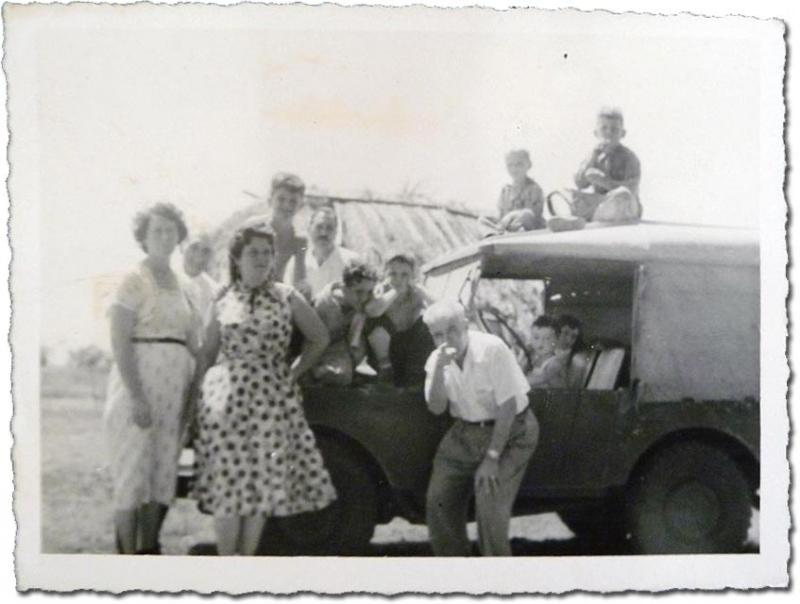 My father (fourth from left) and his family in Quivicán, Cuba, 1957. (IMAGE COURTESY OF THE AUTHOR)